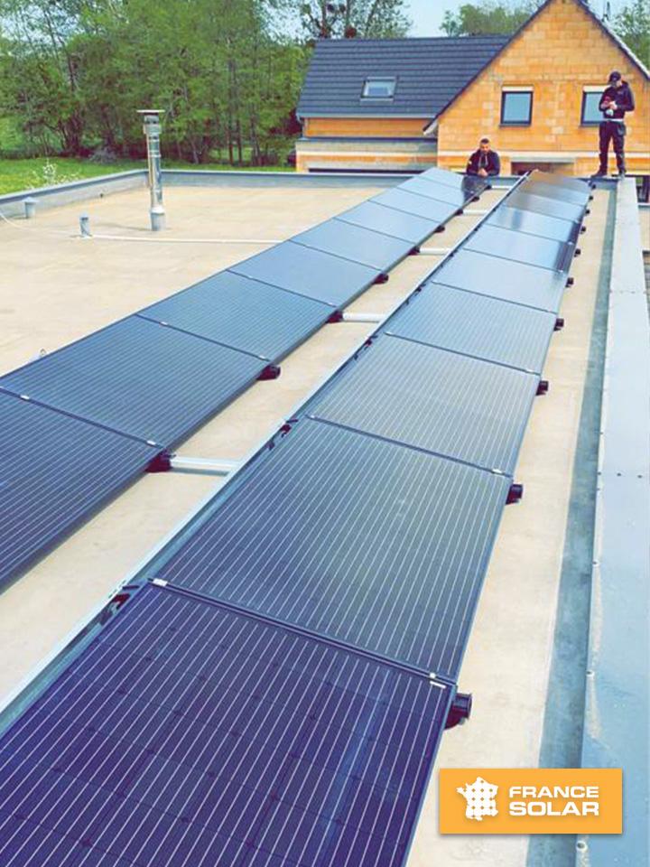 Photo de l'installation de 20 panneaux solaires par notre équipe France Solar à Bitschhoffen 67048